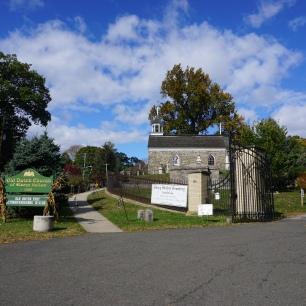 Entrance to Sleepy Hollow Cemetery